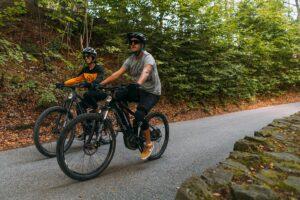 jazda na wypożyczonych rowerach po Szczyrku